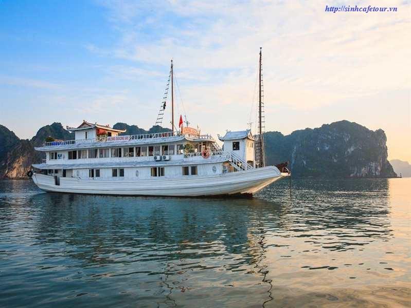 Du thuyền MOON LIGHT Hạ long 3 ngày 2 đêm 1 đêm tàu 1 đêm KS đảo Cát bà
