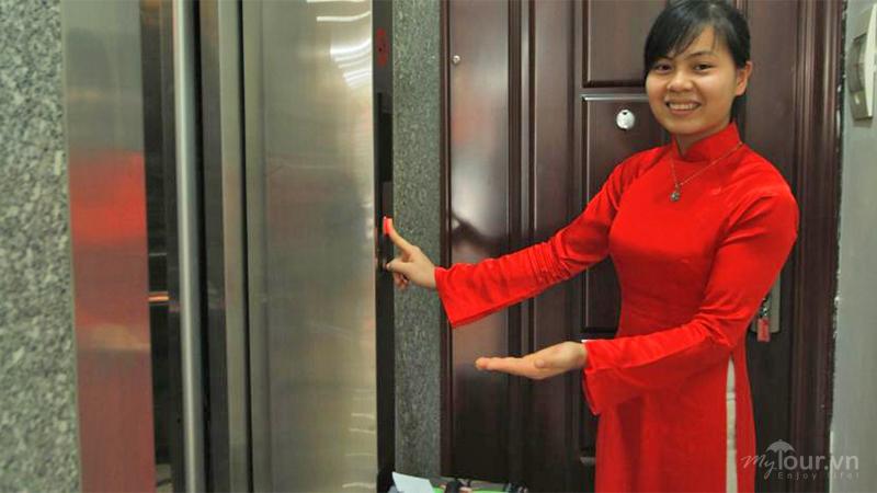 Thang máy camellia hotel5